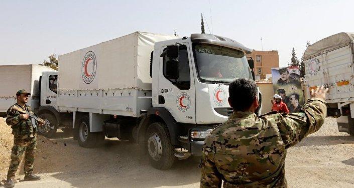 紅新月會人道主義物資運輸隊已抵達敘東古塔地區