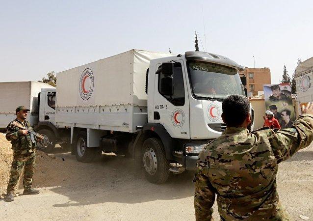 红新月会人道主义物资运输队已抵达叙东古塔地区