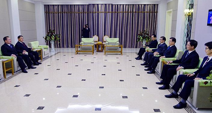 韩联社:韩总统特使团今晚6时会金正恩并共进晚餐