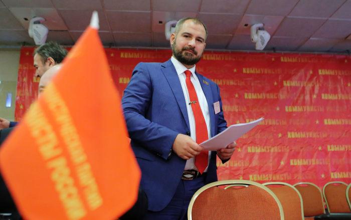 俄罗斯共产党人党候选人马克西姆·苏莱金