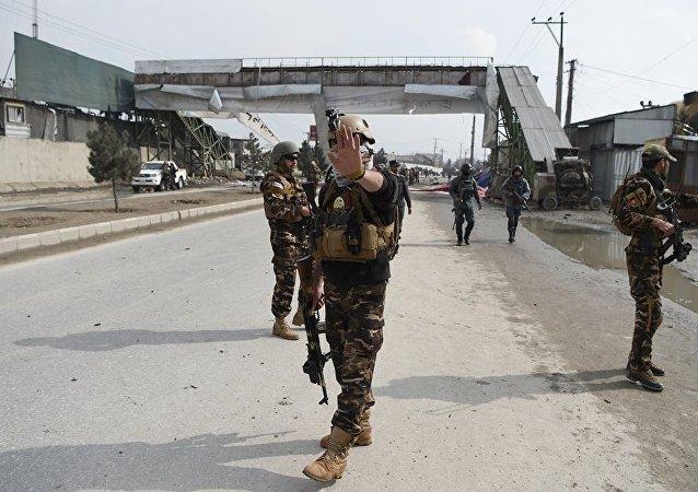 阿富汗油罐车爆炸致两人遇难