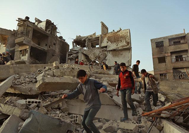 报告:国际联军在解放叙拉卡市的行动中违反国际人道主义法