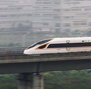 """中国测试了能容纳1100多名乘客的新""""复兴号""""列车"""