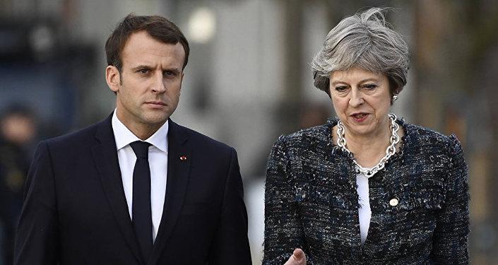 法国总统马克龙和英国首相梅