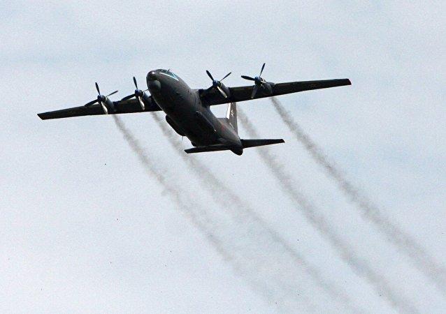 安-12军用运输机