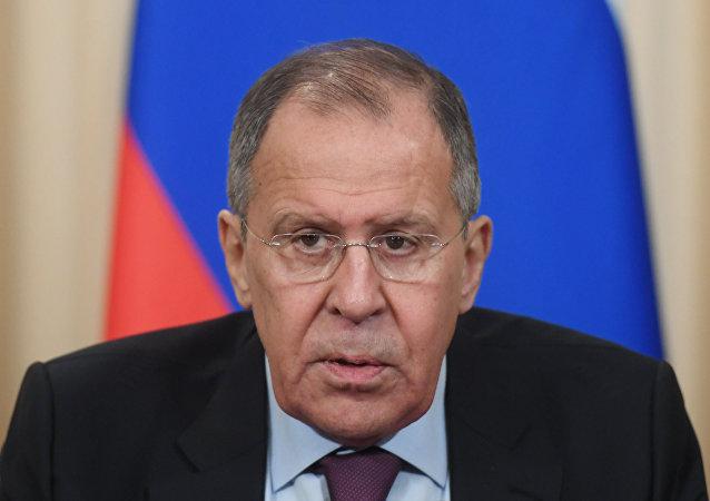 """俄外长:莫斯科在俄前特工""""中毒""""案未看到事实"""