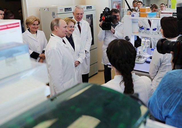 普京:俄羅斯公民應有機會享受免費醫療