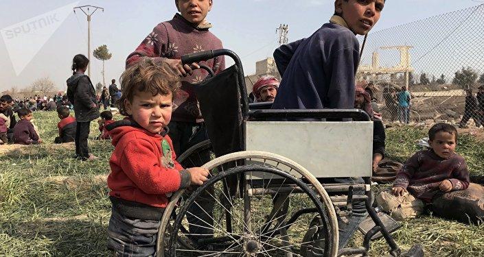 俄驻叙和解中心:18日早上起5000多名平民离开东古塔
