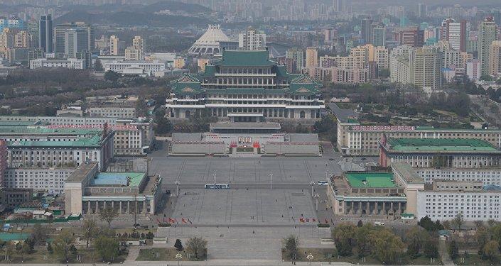 據俄羅斯衛星通訊社記者報道,前往參觀朝鮮豐溪里核試驗場關閉儀式的外國記者已抵達元山