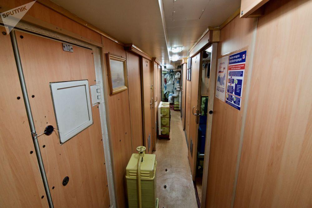 「諾沃羅西斯克」號的居住艙雖然小巧但也舒適。