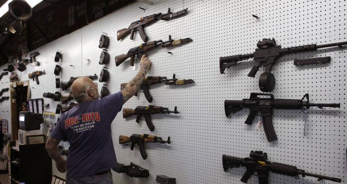 卡拉什尼科夫冲锋枪 (AK-47)