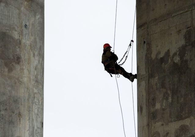 刻赤海峽大橋鐵路部分橋墩建設工作幾近完工