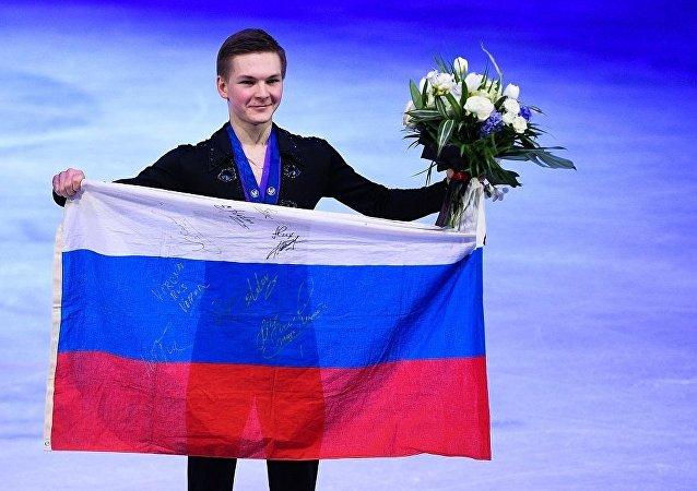 科尔亚达在米兰花滑世锦赛上获得铜牌