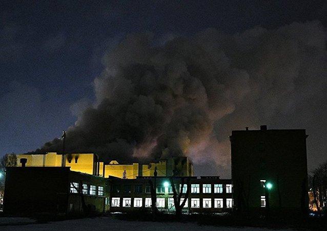 """克麦罗沃""""冬季樱桃""""购物娱乐中心的火灾"""