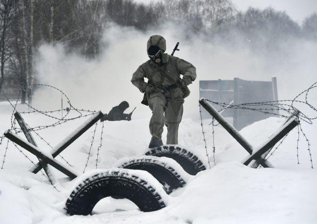 俄军事总检察长:越来越多俄女性希望服役
