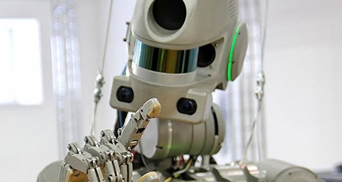"""俄新航天飞船""""联邦""""号的首位乘员将是人形机器人"""