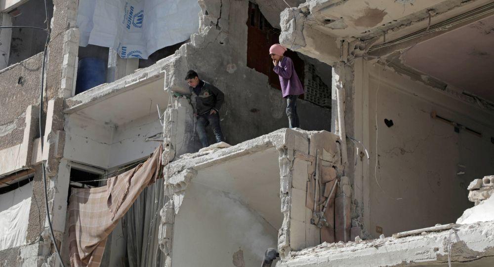 俄駐敘調解中心:很快再將有四千武裝分子及其家人從杜馬撤往阿勒頗省