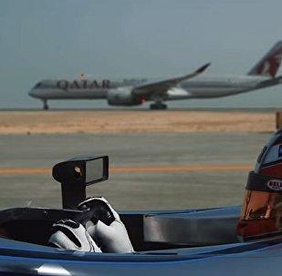 FE赛车与两架飞机拼速度(视频)