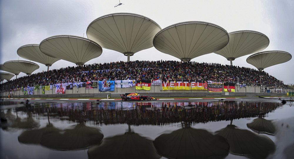 Red Bull's Australian driver Daniel Ricciardo drives his car during the Formula One Chinese Grand Prix in Shanghai