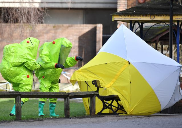 英国环境部称导致斯克里帕利中毒的是一种液态物质