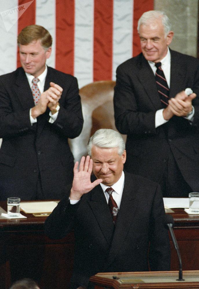 俄羅斯首任總統鮑里斯∙葉利欽1992年在美國國會發表演講