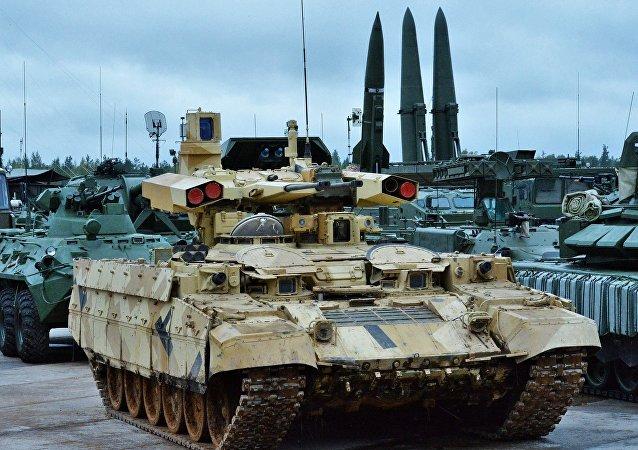俄国防部透露今年胜利街阅兵式上将展示的新式武器装备