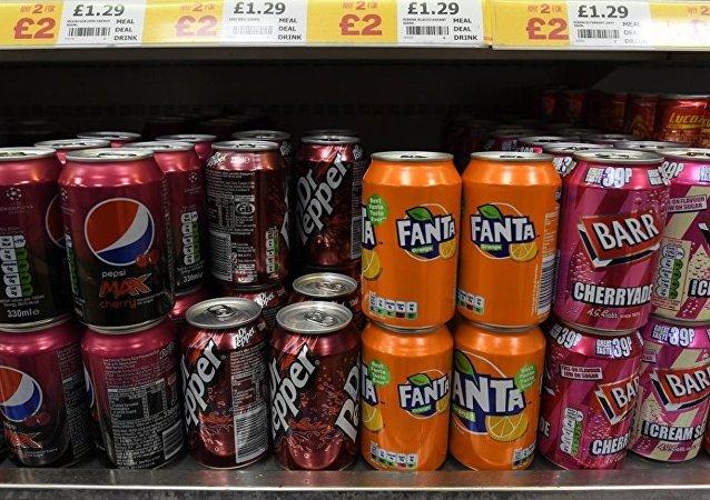 """英国6日起对超过食品含糖标准的无酒精饮料生产商开征""""糖税"""""""