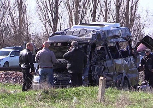 克里米亚列车交通事故3名伤者接受手术