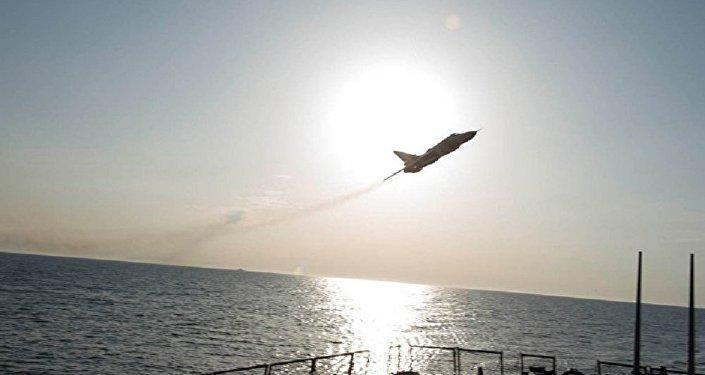 俄空天軍飛機靠近敘利亞海岸附近的美國巡洋艦