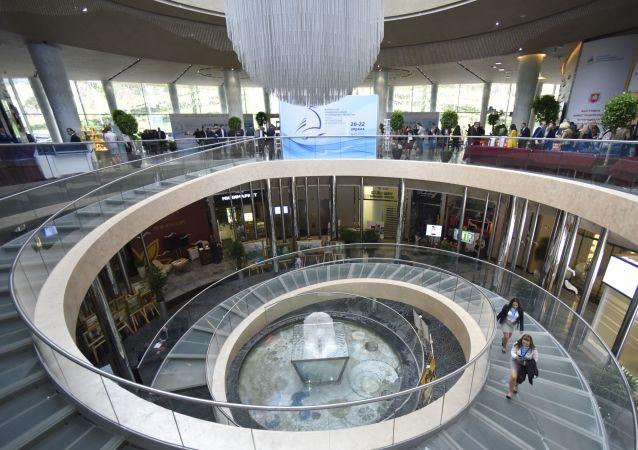 克里米亚共和国行政长官:希望中国公司能更积极投资半岛商业项目