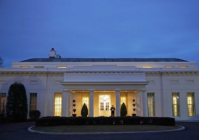 白宫:美中将在8月底恢复经贸谈判