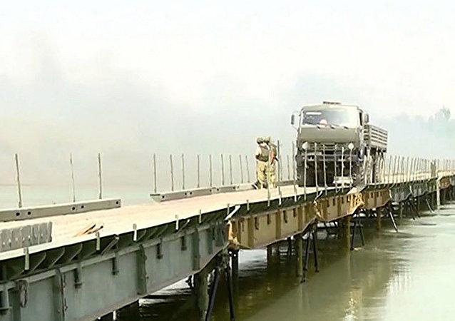 跨幼发拉底河桥