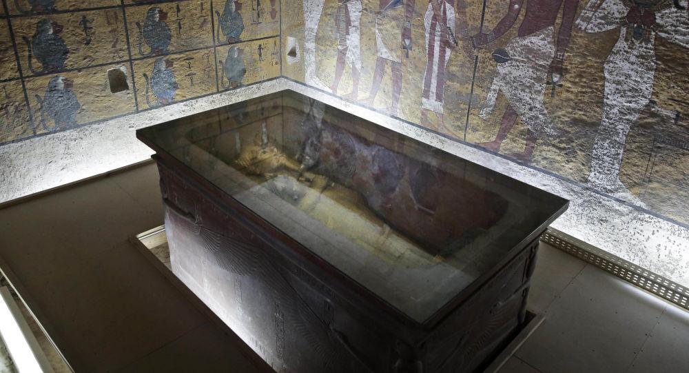 在圖坦卡蒙的墓中