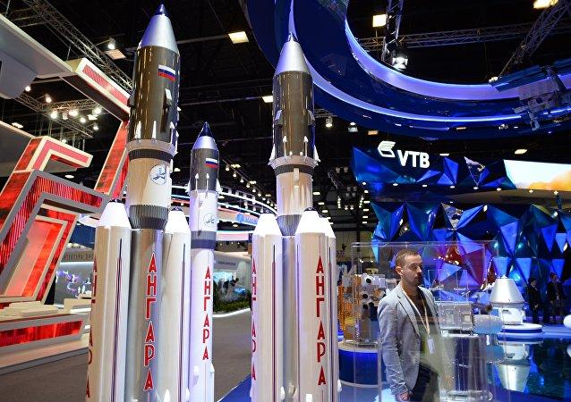 """赫鲁尼切夫中心正在生产三个重型""""安加尔""""和两个轻型运载火箭"""