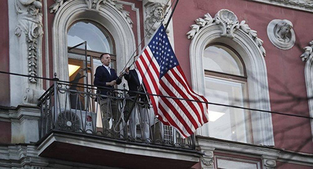 约九成俄公民称俄对多国驱逐该国外交官的回应举措适当