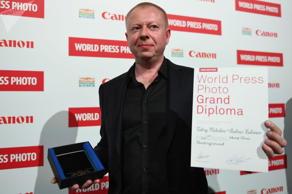 今日俄羅斯國際新聞通訊社(旗下有衛星通訊社和俄新社)特約攝影記者瓦列里·梅爾尼科夫