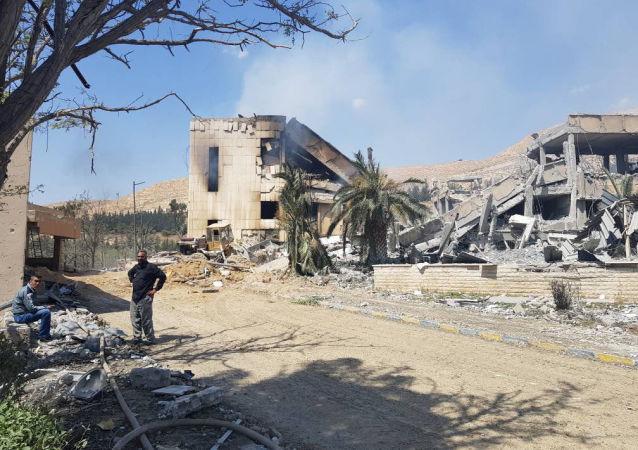 """叙政府军清除了""""伊斯兰国""""在大马士革南部的最后据点,大马士革全面解放"""
