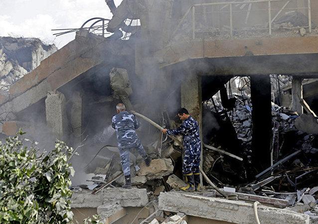 美国、英国和法国4月14日早上打击了叙利亚政府设施
