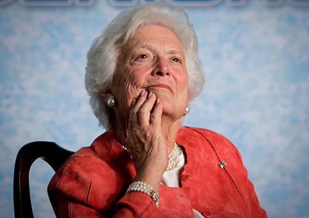 媒体:美国电视台误发前总统老布什夫人逝世讣告