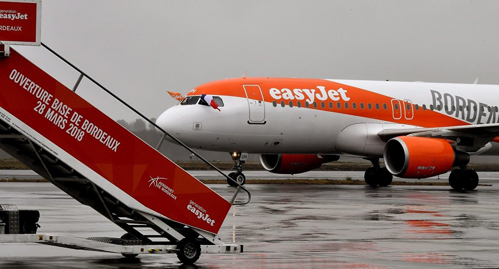 EasyJet航空公司飛行員因飛行途中拍攝視頻被解雇