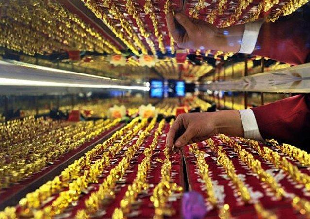 2018年中國奢侈品市場規模同比增長18%