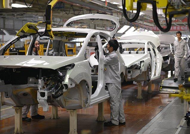中国1-6月新能源汽车产销同比高速增长