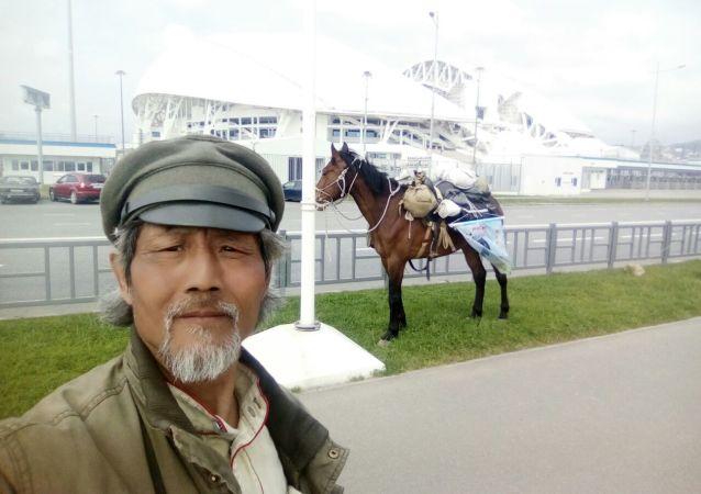 俄籍华人骑马巡游2018年世界杯举办地