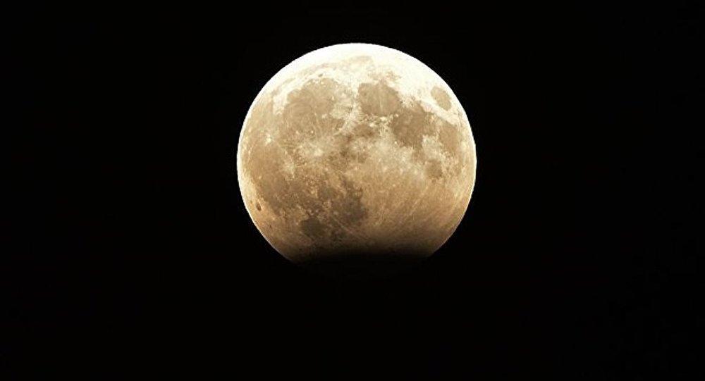 俄中兩國將在月球開發領域展開合作