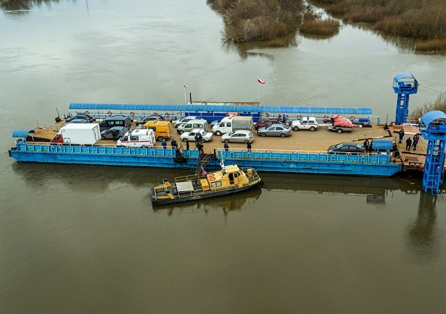 哈巴罗夫斯克恢复因阿穆尔河变浅而暂停的俄中河运