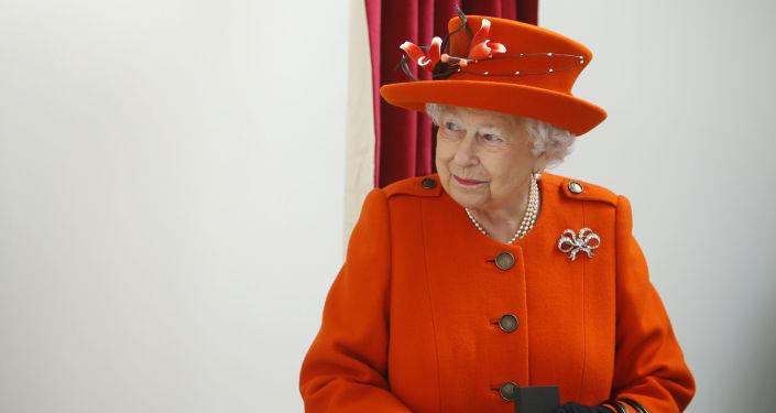 民调:大多数英国人反对女王会见特朗普