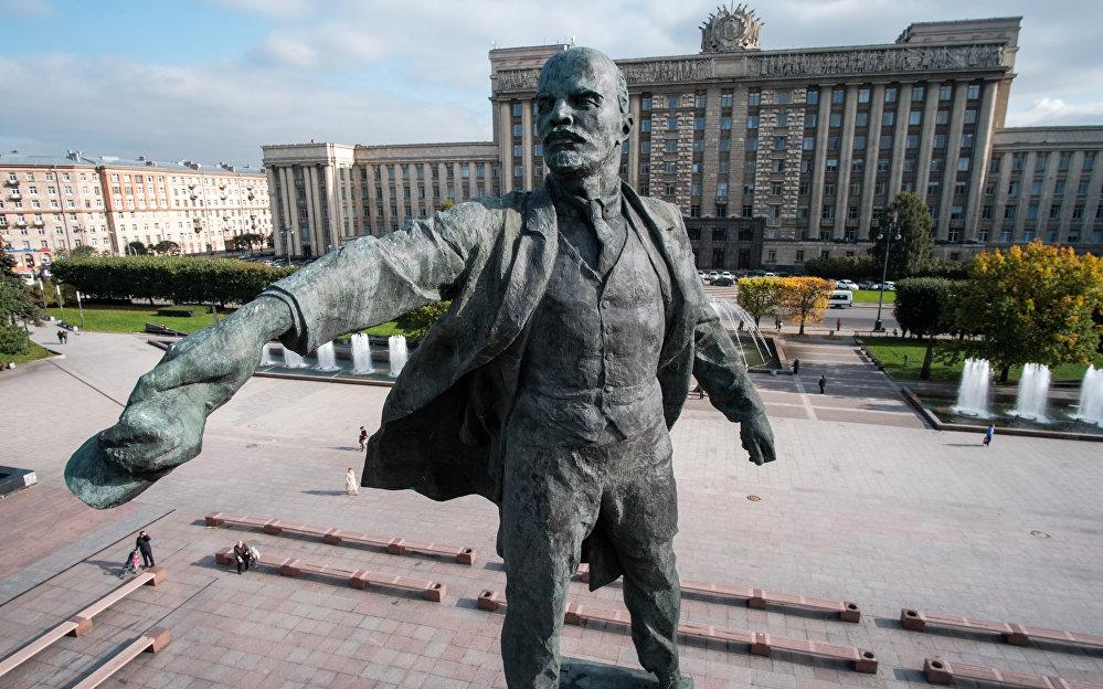 圣彼得堡的列宁纪念碑