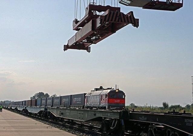 俄工貿部長:俄期望2018年俄中貿易額能達到1000億美元