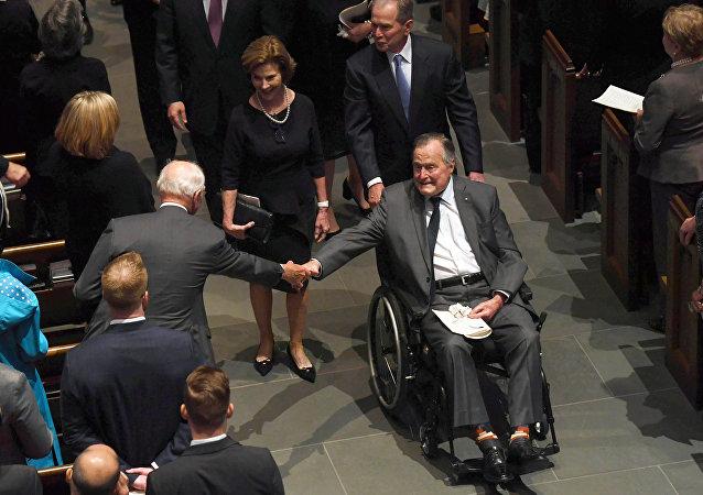 4名美国前总统出席芭芭拉·布什告别仪式
