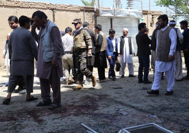 阿富汗首都爆炸致死人数增至48人 100多人受伤